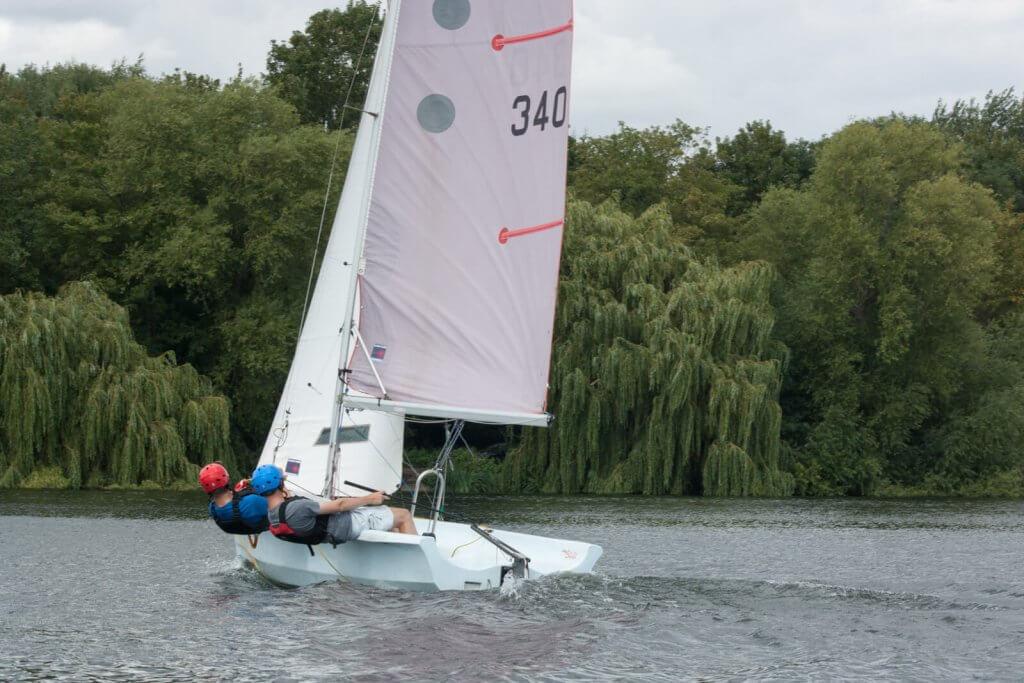 Bahia sailing close-haule
